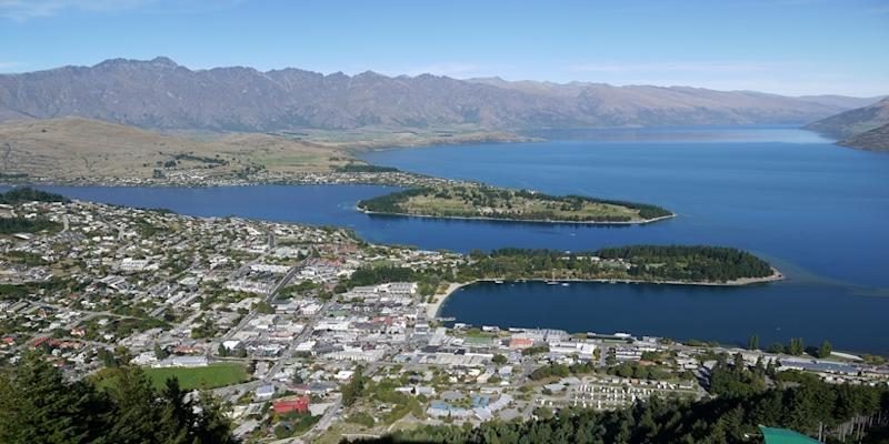 <p><img/></p>A group of investors, mainly Singaporeans, won a years-long battle over a property investment in South Island...