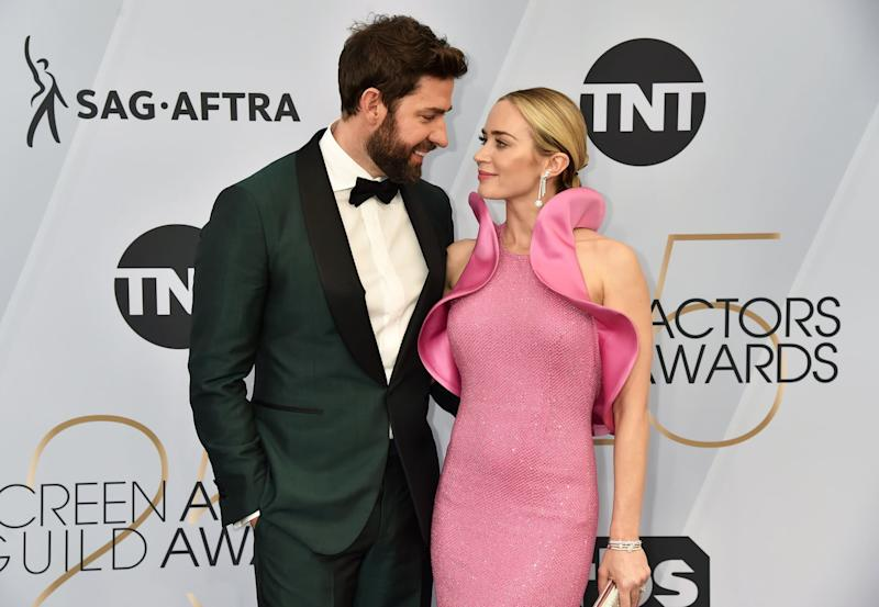 LOS ANGELES, CALIFORNIA - JANUARY 27: (L-R) John Krasinski and Emily Blunt attend the 25th Annual Screen Actors Guild Awards at The Shrine Auditorium on January 27, 2019 in Los Angeles, California. (Photo by Jeff Kravitz/FilmMagic)
