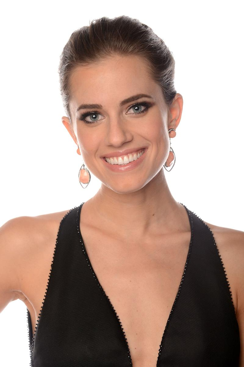 BEVERLY HILLS, CA - JANUARY 13: Actress Allison Williams of 'Girls' poses for a portrait at the 70th Annual Golden Globe Awards held at The Beverly Hilton Hotel on January 13, 2013 in Beverly Hills, California. (Photo by Dimitrios Kambouris/Getty Images)