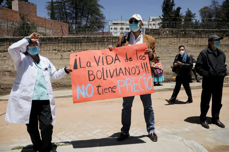 FILE PHOTO: Outbreak of the coronavirus disease (COVID-19) in La Paz