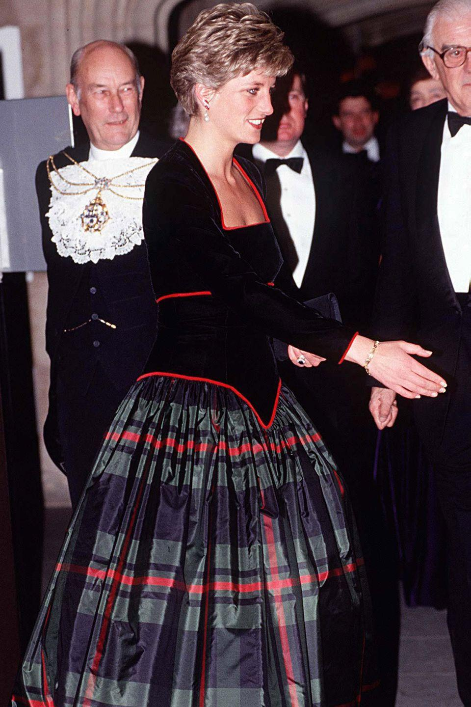 <p>Di could even pull off plaid as formal wear.</p>