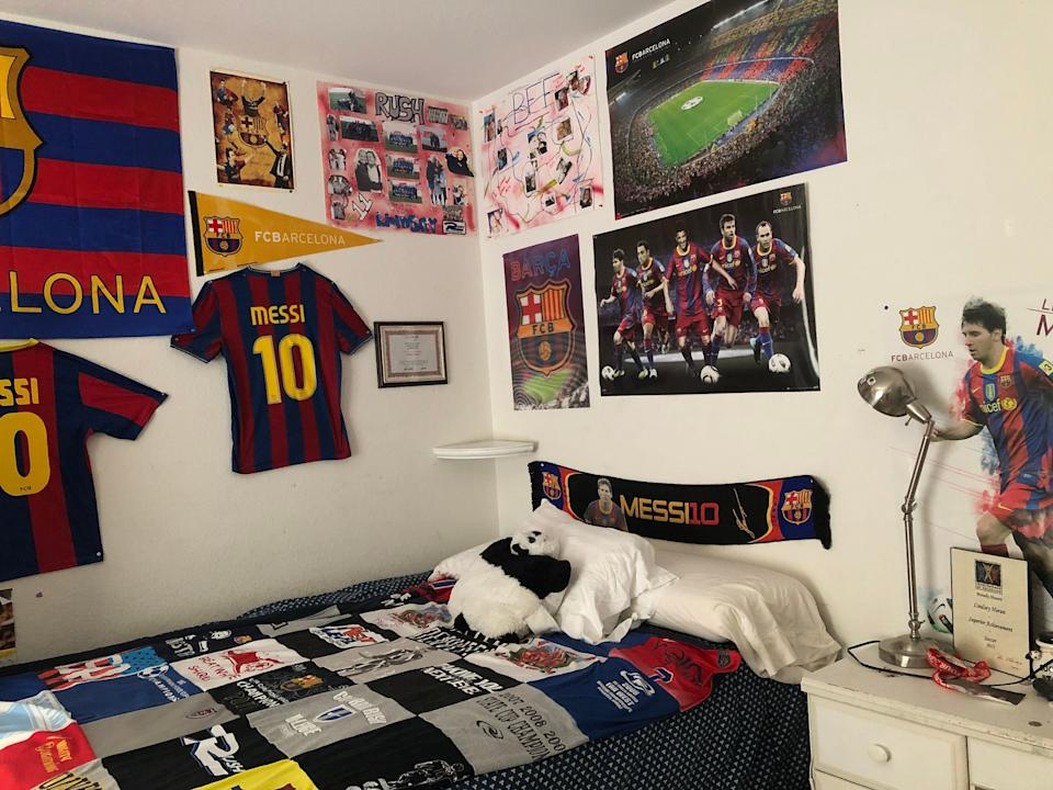 Lindsey Horan's bedroom is adorned with Lionel Messi and Barcelona paraphernalia to this day. (Photo via Linda Horan)