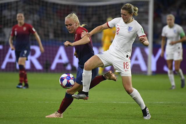 Norway's defender Maria Thorisdottir (L) vies with England's forward Ellen White during the France 2019 Women's World Cup quarter-final football match between Norway and England, on June 27, 2019, at the Oceane stadium in Le Havre, north western France. (Photo by Damien Meyer/AFP/Getty Images)