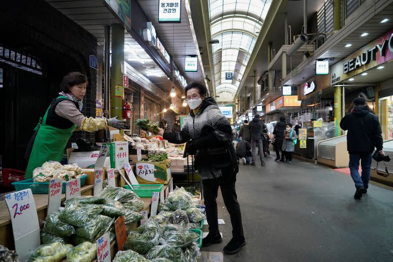 South Korea August inflation hits five-month high as fresh food prices soar