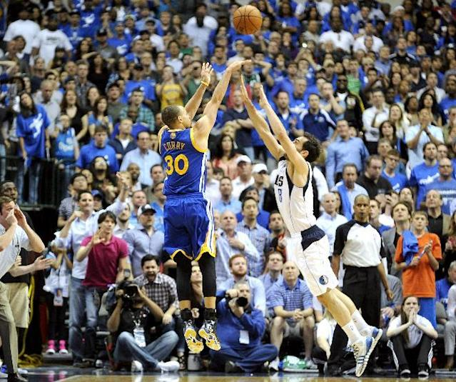 Stephen Curry's crazy OT buzzer-beater puts Warriors over Mavericks (Video)
