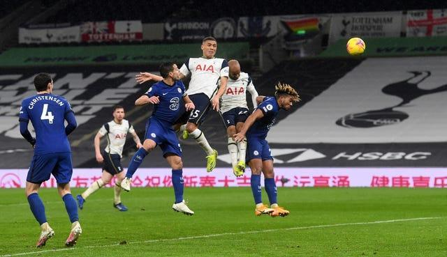 Carlos Vinicius missed a late chance to Spurs