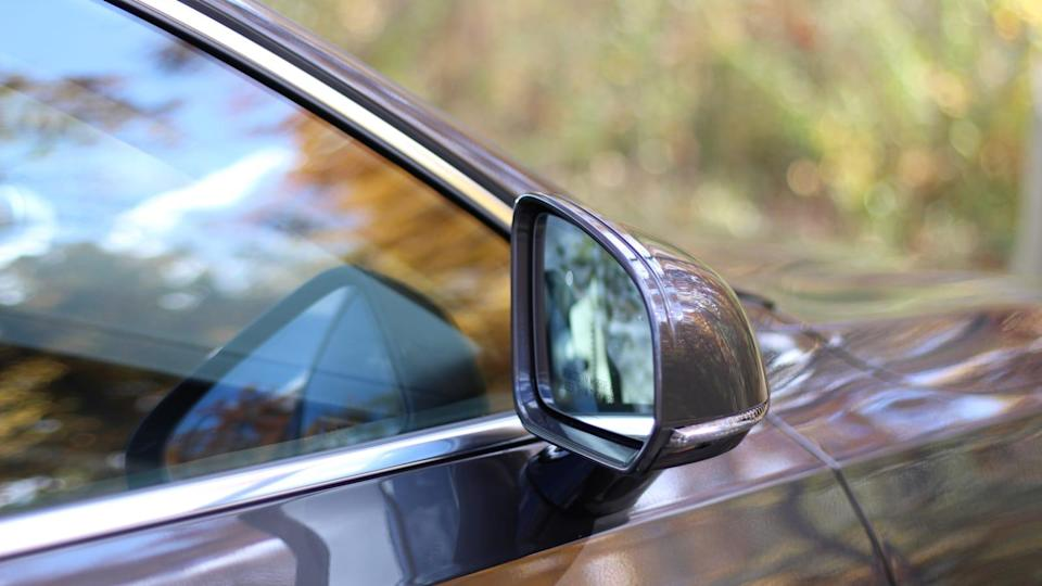Auto dimming mirrors