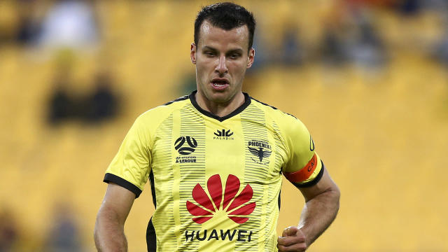 Wellington Phoenix announced the re-signing of captain Steven Taylor on Wednesday.