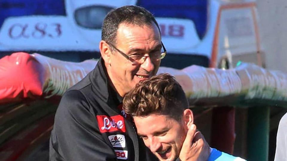 Mertens e Sarri | AFP/Getty Images