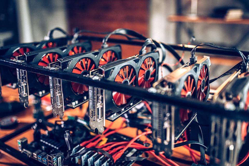 Mining rig for cryptocurrency