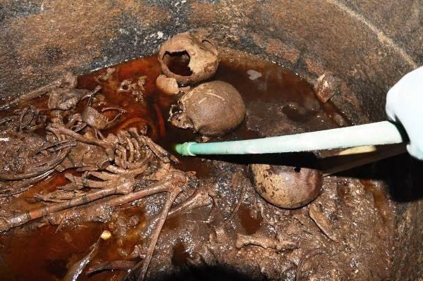 Authorities said they discovered three skeletons inside the sarcophagus. (antiquitiesgoveg)