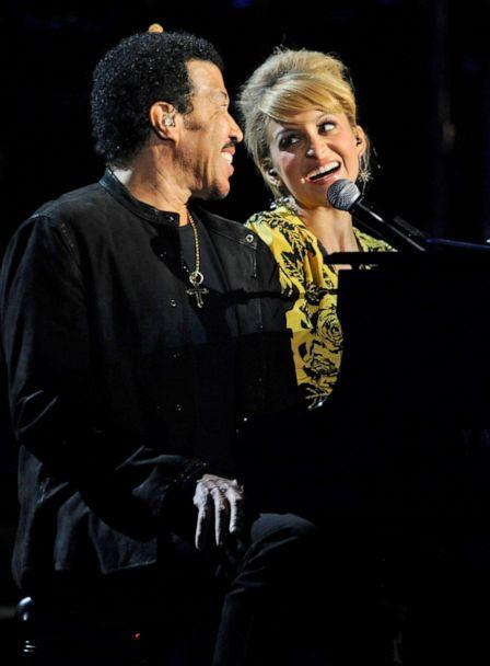 PHOTO: Musician Lionel Richie and his daughter Nicole Richie perform onstage during Lionel Richie and Friends in Concert at the MGM Grand Garden Arena, April 2, 2012, in Las Vegas. (Ethan Miller/Getty Images, FILE)
