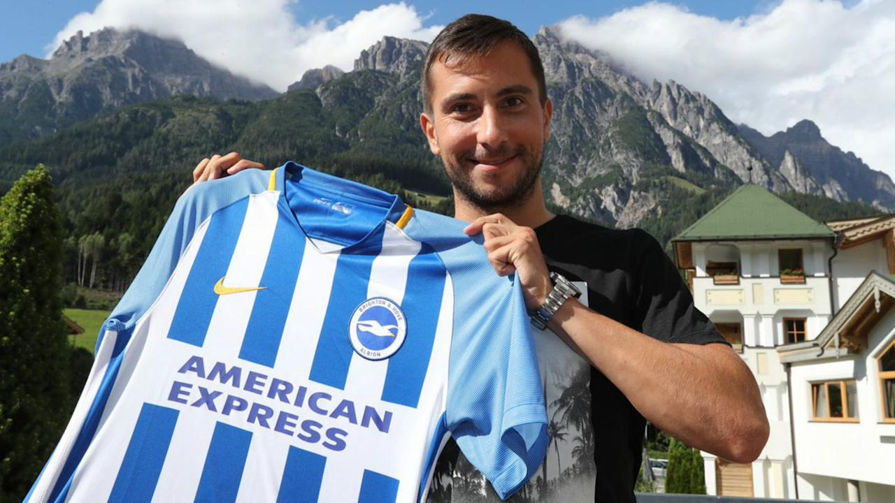Markus Suttner has followed ex-Ingolstadt team-mate Pascal Gross and Mathew Ryan in joining Premier League club Brighton and Hove Albion.
