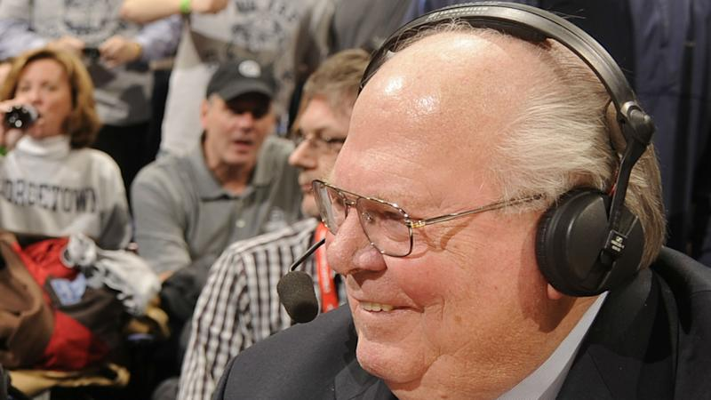 ​NCAA Tournament 2017: Watch Verne Lundquist get hit in face with basketball