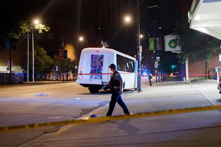At the scene of a shooting inn Chicago (AP)
