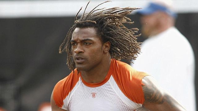 The Chicago Bears and Cincinnati Bengals have paid tribute to former NFL running back Cedric Benson, who has died in a traffic accident.