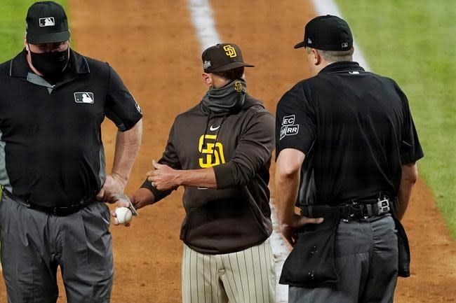 Padres manager Tingler ejected from NLDS Game 1 vs LA