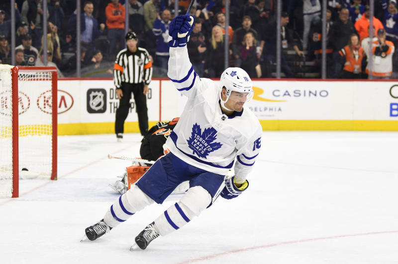 Johnsson scores in shootout, Maple Leafs beat Flyers 4-3