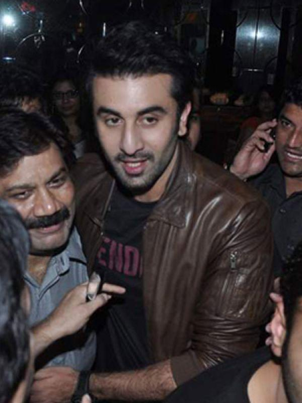 <p><strong>Image courtesy : iDiva.com</strong></p><p>Ranbir Kapoor makes his way through the crowd at the screening of <em>Besharam</em>.</p><p><strong>Related Articles - </strong></p><p><a href='http://idiva.com/news-entertainment/besharam-first-look/18234' target='_blank'>Besharam [First Look]</a></p><p><a href='http://idiva.com/news-entertainment/besharam-trailer-video/23254' target='_blank'>Besharam Trailer [Video]</a></p>