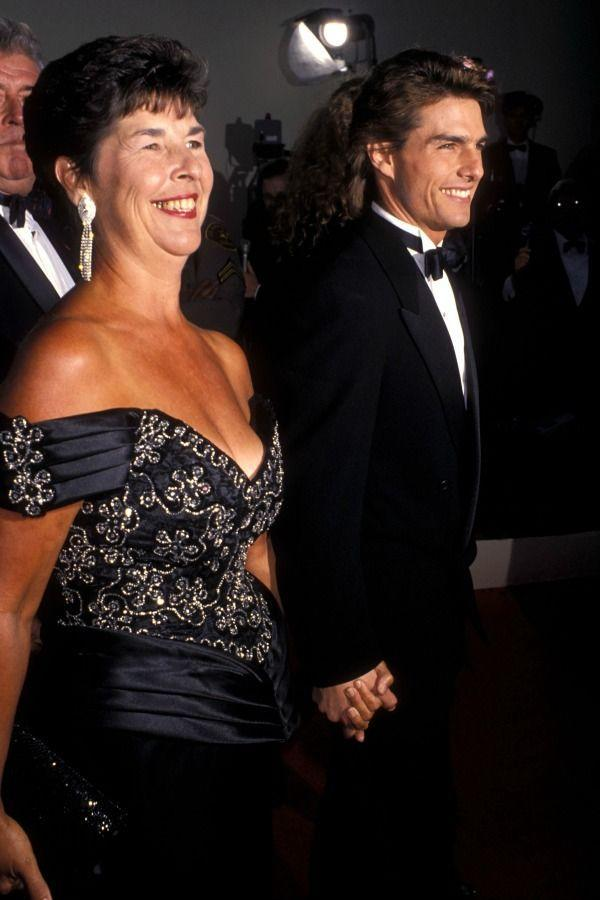 <p>For the 2010 Academy Awards, Tom got a show of support from mom Mary Lee South.</p>