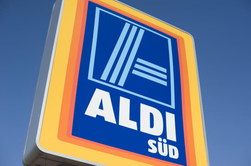 """Obernburg, Germany - March 25, 2012: Aldi logo on the grip of their shopping carts. Aldi is a German discount chain. the name Aldi stands for Albrecht Discount. The roots of the company goes back to 1913 after World War II the company gets bigger and bigger. Today the company is splitted in Aldi Nord and Sued. Aldi Sued is operating about 1 600 stores in western and southern Germany."""