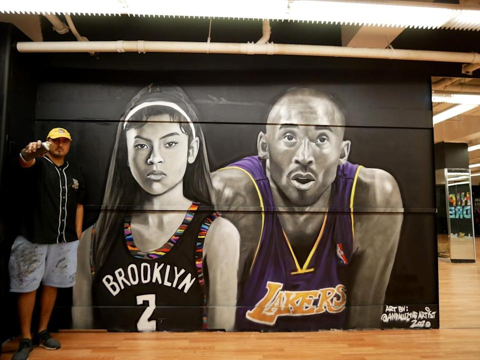 Efren Andaluz is racing to finish a mural of Kobe and Gianna Bryant. (Courtesy of Efren Andaluz)