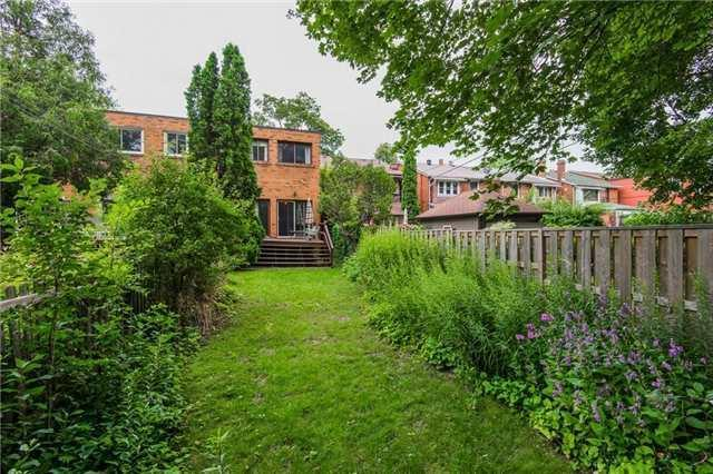 <p><span>22 Albertus Ave., Toronto, Ont.</span><br> There's also ample space in the backyard for gardening or letting the kids run around.<br> (Photo: Zoocasa) </p>