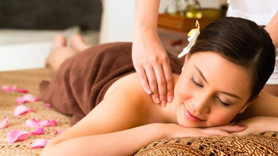 Body polishing: Benefits and step-by-step guide to practice at home