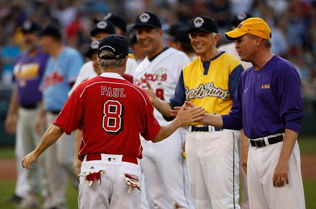 <p>Senator Rand Paul (R-KY) greets Director of the Office of Management Mick Mulvaney before Democrats and Republicans face off in the annual Congressional Baseball Game at Nationals Park in Washington, June 15, 2017. (Photo: Joshua Roberts/Reuters) </p>
