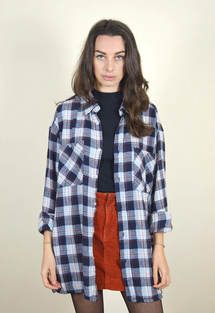 <p><span>90s Vintage Blue Checked Flannel Shirt</span> ($25)</p>