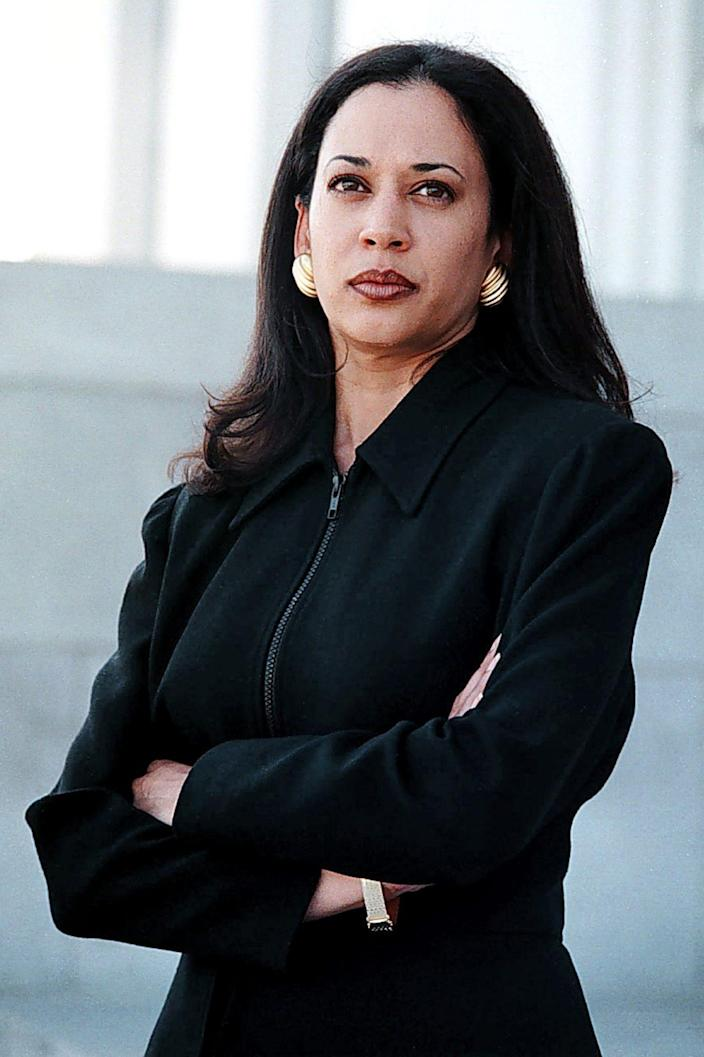 <p>After getting her law degree from the University of California, Hastings College of the Law in 1989, Harris served as a deputy district attorney in Oakland, California, from 1990 to 1998. </p>