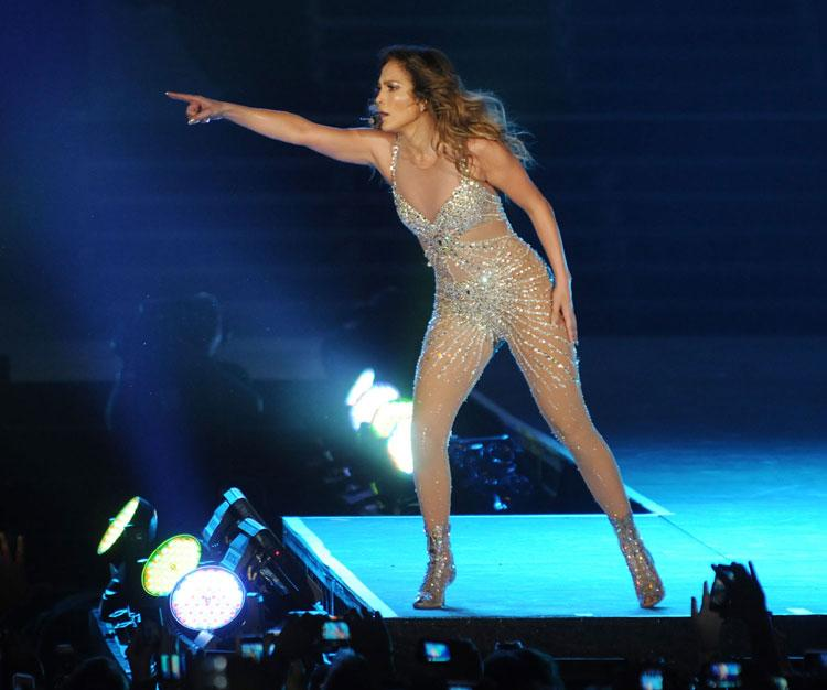 "<span style=""font-size:11.0pt; "">Will she come back? We don't know, but judging by the reception from the thousands in the audience, we suspect JLo would be more than welcome. Photo: Peter Harrison/Yahoo! Maktoob</span>"