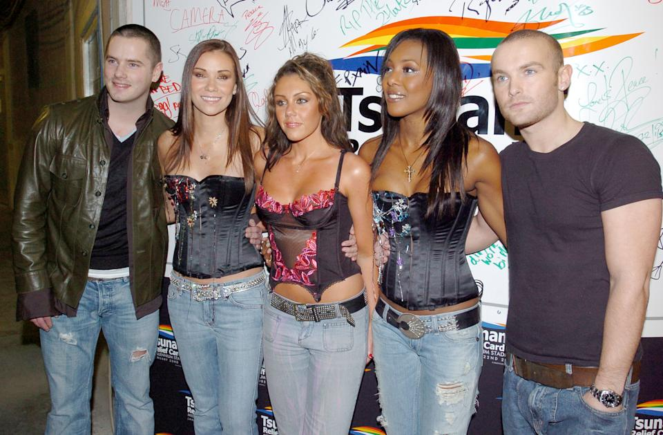 Tony Lundon, Jessica Taylor, Michelle Heaton, Kelli Young and Kevin Simm of Liberty X (Photo by J. Quinton/WireImage)