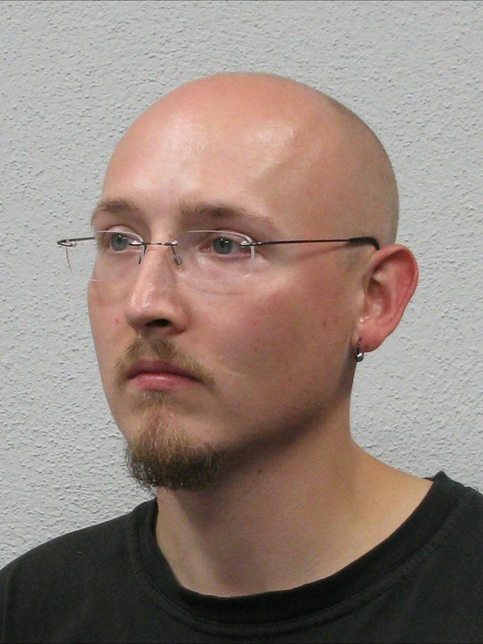 After a threat in the Oppenau-Friedberg area, the police are looking for 31-year-old Yves Etienne RAUSCH ., Attention! Yves Etienne RAUSCH is considered violent and is armed with several firearms!, Description:, Glasses wearer, approx. 170 cm tall, Bald head, Goatee, Camouflage pattern outerwear (camouflage), The police are asking the population to refrain from moving outdoors if possible. Avoid forest areas in the Oppenau area! Impairments in passenger and vehicle traffic must still be expected. Furthermore, do not take any hitchhikers in the Oppenau area and report suspicious perceptions to the police emergency number 110! - Baden-Wuerttemberg Police