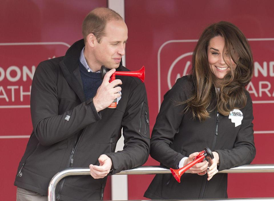 <p>Will and Kate joke around with air horns at the Virgin Money London Marathon.<br></p>