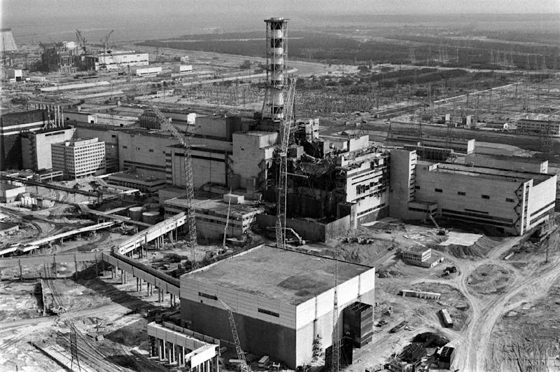 A general view taken from a helicopter in April 1986 shows the destroyed fourth power block of Chernobyl's nuclear power plant few days after the nuclear catastrophe (AFP Photo/Vladimir Repik)