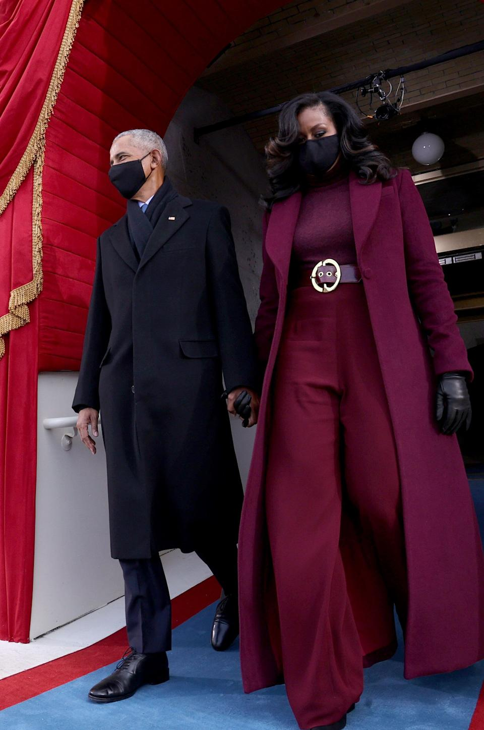 Barack and Michelle Obama arrive at the inauguration ceremony. (Photo: JONATHAN ERNST via Getty Images)