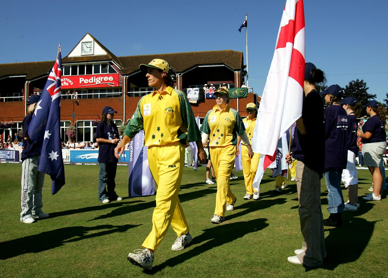 TAUNTON, UNITED KINGDOM - SEPTEMBER 2:  Belinda Clark of Australia leads her team onto the field before the start of the Women's Twenty20 match between England Ladies and Australia Ladies at Somerset CCC on September 2, 2005 in Taunton, England.  (Photo by Richard Heathcote/Getty Images)