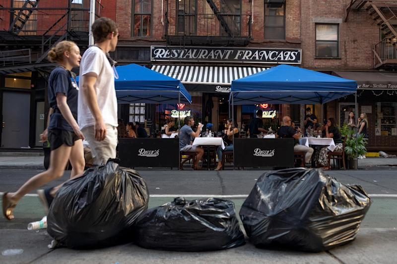 NYC Mayor Vows to Clean Up Trash After Business Leaders Complain