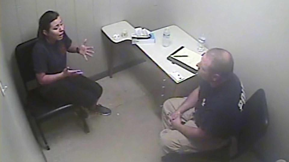 Mary Katherine Higdon is questioned by Lt. Chris Wilson. He says that during this interview, Higdon confessed to shooting her boyfriend Steven Freeman in anger. / Credit: Spalding County District Attorney's Office