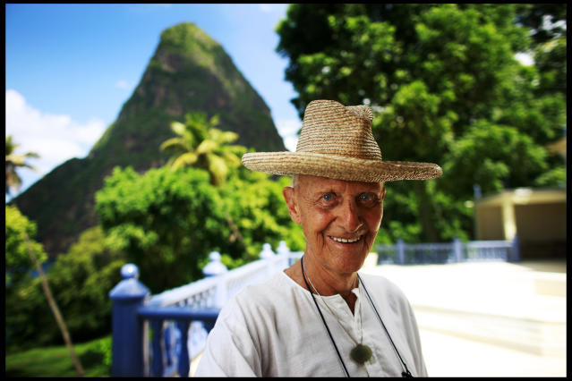 Lord Glenconner Colin Tennant, the founder of the island of Mustique, at home in St.Lucia | Location: St.Lucia. (Photo by David Howells/Corbis via Getty Images)