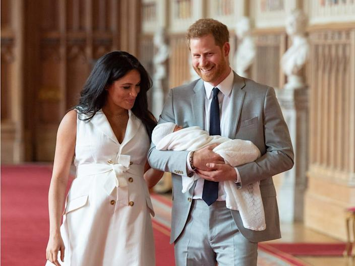 meghan harry walking with baby
