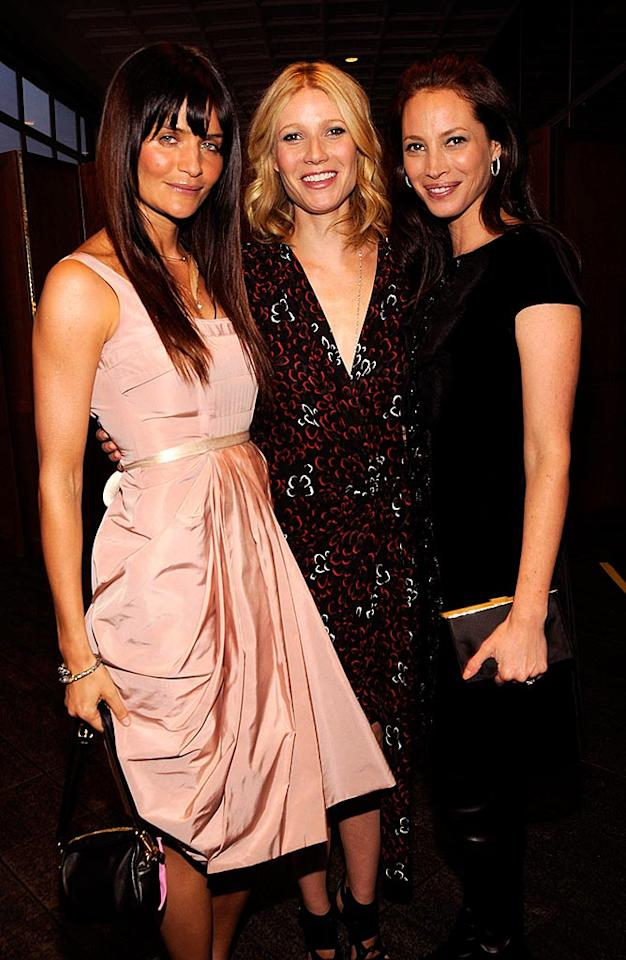 """The night's honoree, Gwyneth, becomes a supermodel sandwich thanks to Helena Christensen and Christy Turlington. Kevin Mazur/<a href=""""http://www.wireimage.com"""" target=""""new"""">WireImage.com</a> - April 7, 2008"""