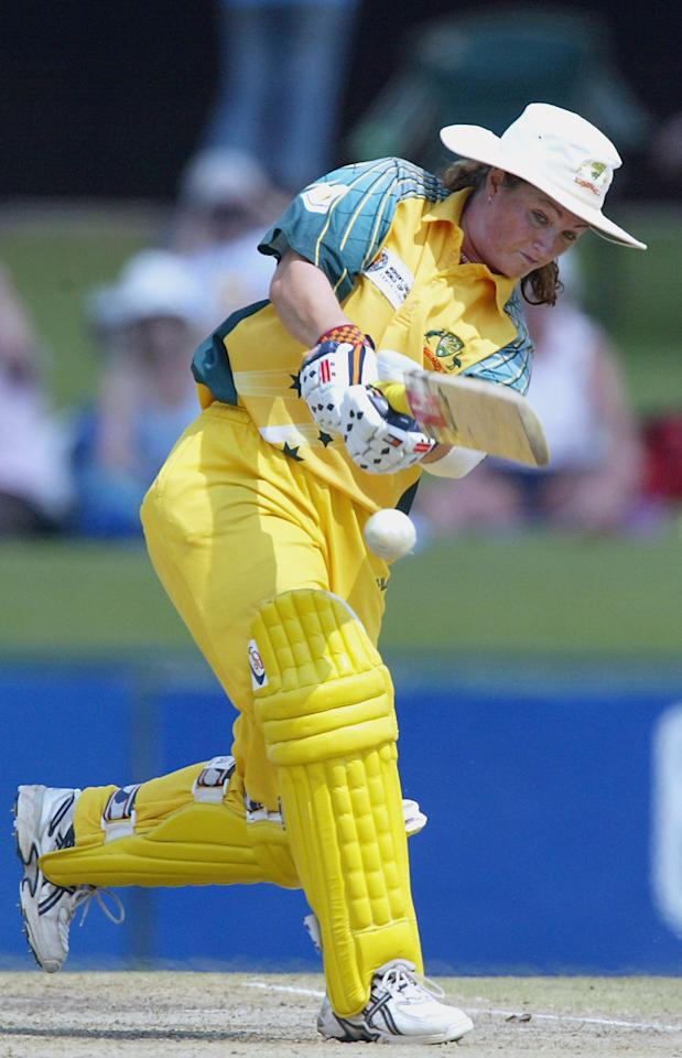 PRETORIA, SOUTH AFRICA - APRIL 10: (TOUCHLINE IMAGES ARE AVAILABLE TO CLIENTS IN THE UK, USA AND AUSTRALIA ONLY)  Karen Rolton of Australia in action during the IWCC Women's World Cup Final match between India and Australia at Supersport Park Stadium on April 10, 2005 in Pretoria, South Africa. (Photo by Touchline/Getty Images)