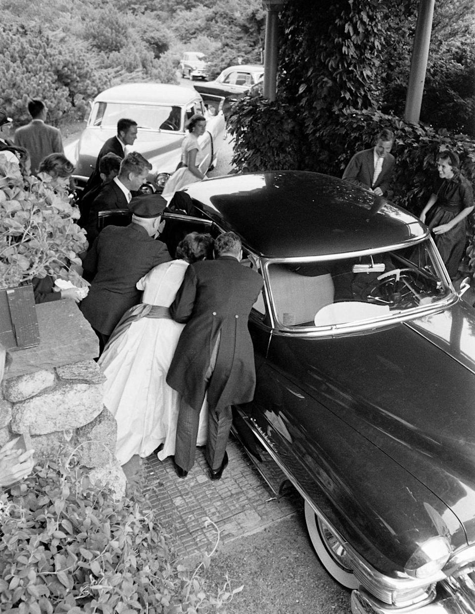 <p>Guests arrived at the farm ready to celebrate the bride and groom.</p>