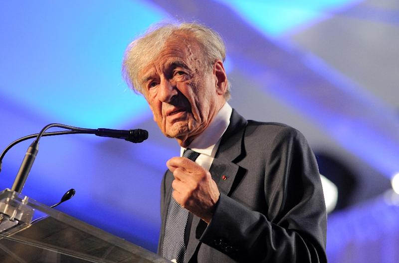 """Holocaust survivor Elie Wiesel, seen in 2013, in 1956 published the internationally acclaimed memoir """"Night"""" detailing his experiences in Nazi death camps (AFP Photo/JEWEL SAMAD)"""