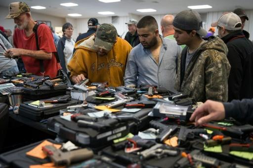 <p>Trump accused of backpedaling on gun control</p>