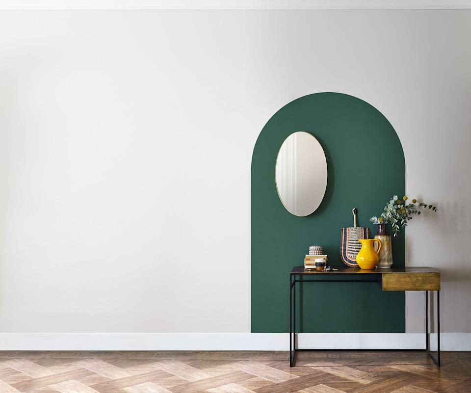 """<p><strong>Whether it's panelling, a two-tone effect, or geometric patterns, the feature wall is more popular than ever and, as Instagram has become the go-to source for inspiration, you're sure to find some unique design ideas for your home that you can adapt for your own living space.</strong></p><p>But what exactly are the standout trends when it comes to feature walls this year?<br></p><p><a href=""""https://go.redirectingat.com?id=127X1599956&url=https%3A%2F%2Fwww.dulux.co.uk%2Fen%2Fproducts%2Fdulux-simply-refresh-one-coat&sref=https%3A%2F%2Fwww.housebeautiful.com%2Fuk%2Fdecorate%2Fwalls%2Fg37445970%2Finstagram-feature-wall-trends%2F"""" rel=""""nofollow noopener"""" target=""""_blank"""" data-ylk=""""slk:Dulux"""" class=""""link rapid-noclick-resp"""">Dulux</a> has taken a look at the most-used feature wall hashtags on Instagram (#GalleryWall, #FeatureWall, #AccentWall) to find the most liked images, and analysed the recurring trends among these top posts to uncover the 10 biggest trends of the year. </p><p>The analysis found: Panelled walls made the top of the list being featured in 65 per cent of the top posts, geometric shapes were featured in 47 per cent of top posts, whilst grey was featured in 38 per cent of the top posts.</p>"""