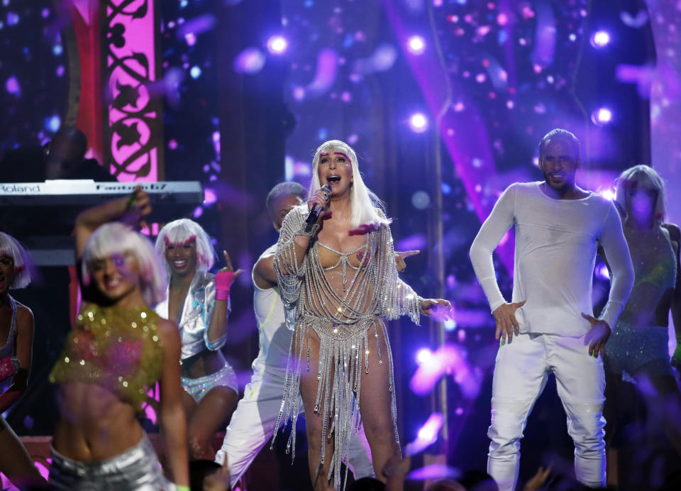 "2017 Billboard Music Awards – Show - Las Vegas, Nevada, U.S., 21/05/2017 - Cher performs ""Believe"". REUTERS/Mario Anzuoni"