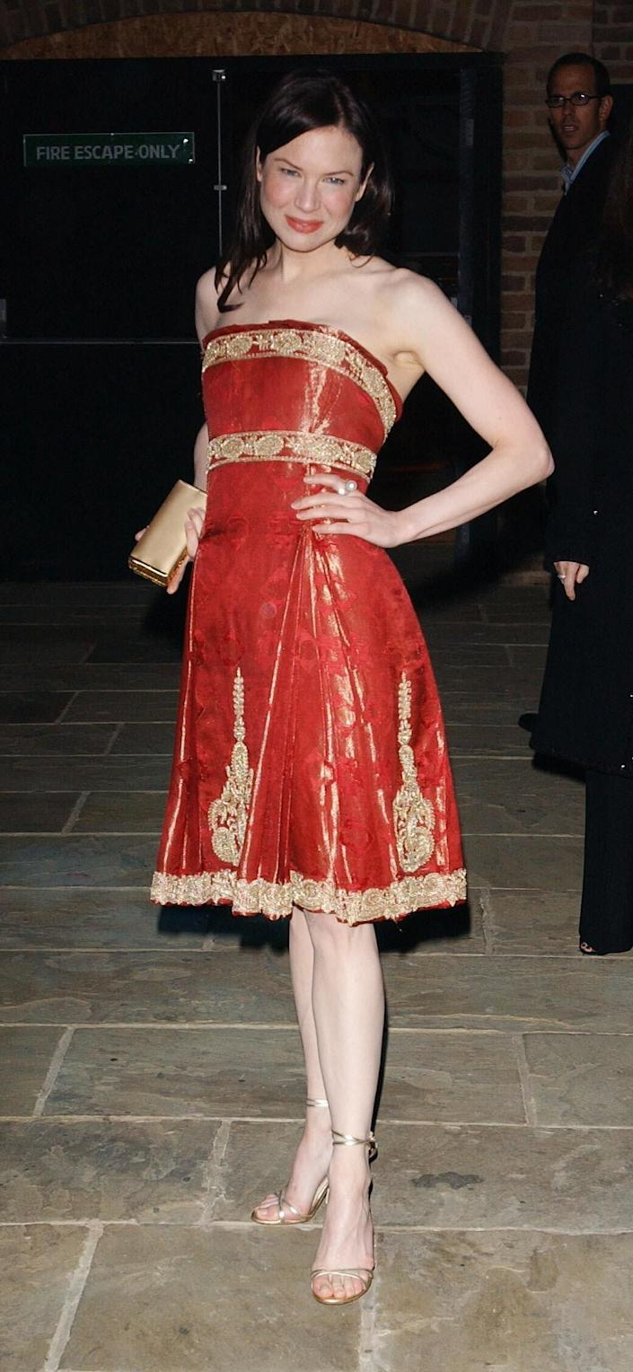 Zellweger in Marchesa in 2004. (Photo: Ian West - PA Images via Getty Images)